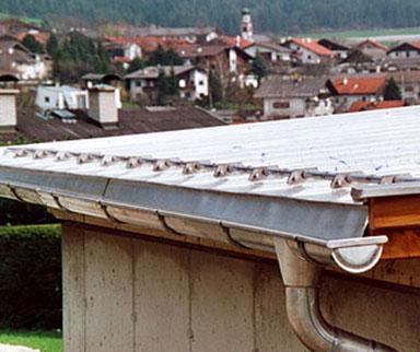 Dach aus Edelstahlblech